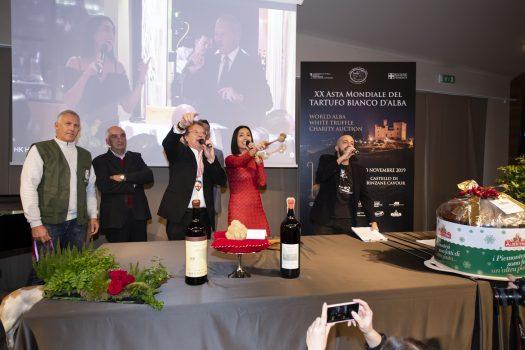 XX ASTA MONDIALE  DEL TARTUFO BIANCO D'ALBA: battuti lotti per 420.000 euro