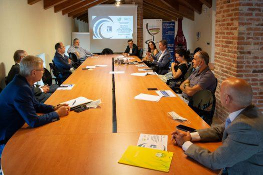 TRASPORTI E LOGISTICA VINI: COLDIRETTI CUNEO E CONSORZIO DEL BAROLO LANCIANO LA SFIDA GREEN PER LE COLLINE UNESCO